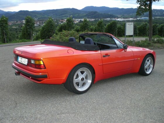 944 S2 Cabrio Gemini-rot auf OZ Futura