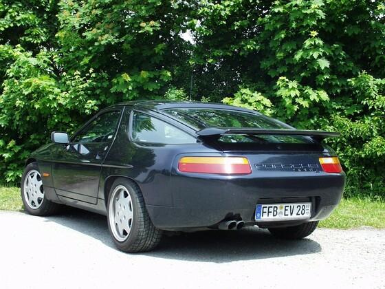 Porsche 928 S4- Bj 91-nachtblaumetallic