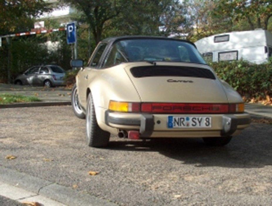 Porsche von hinten