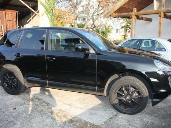 Black RS Cayenne