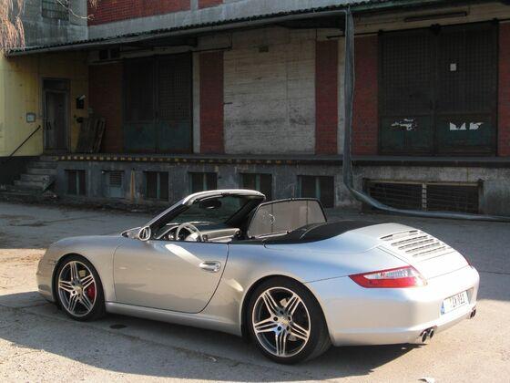 3rd: 997 Carrera S