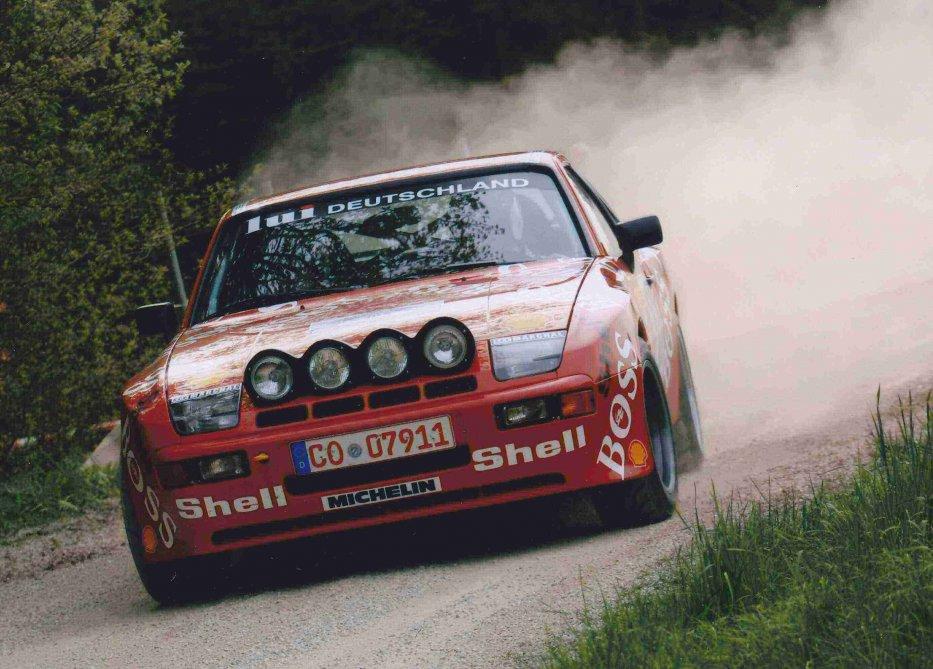 PORSCHE 944 GTS Bild13