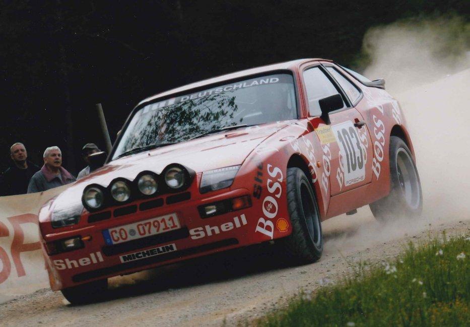 PORSCHE 944 GTS Bild12