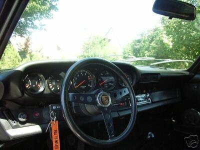 911 S 1976