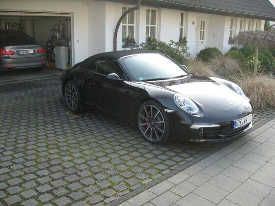 PorscheSeite3okklein.jpg