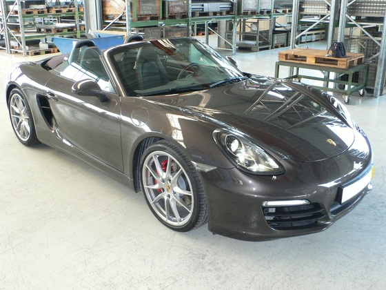 Porsche offen vorm rechts.JPG