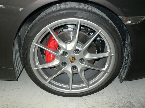 Porsche Rad.JPG