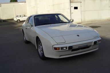 Porsche 944 Alpinweiss