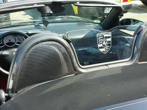 Porschezeichen.jpg