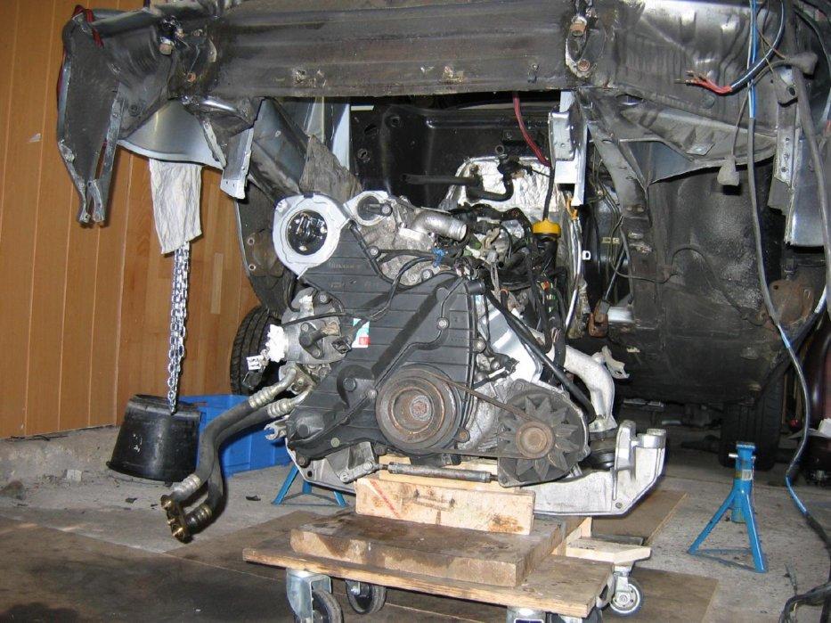 Einbau 944S2 Motor