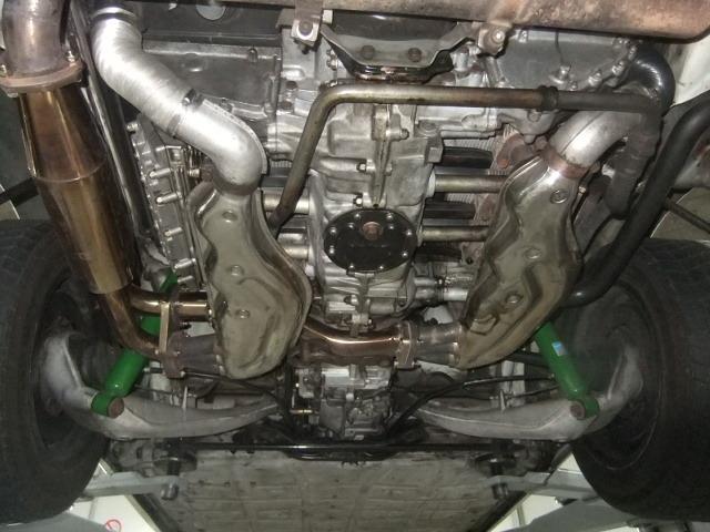 Motor und Getriebe von unten.JPG