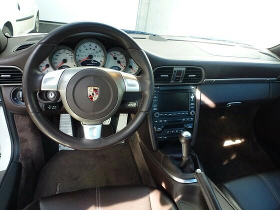 Porsche 997 GTS (41).JPG