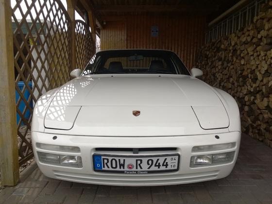 Porsche 944 Front mit weißen Blinkern