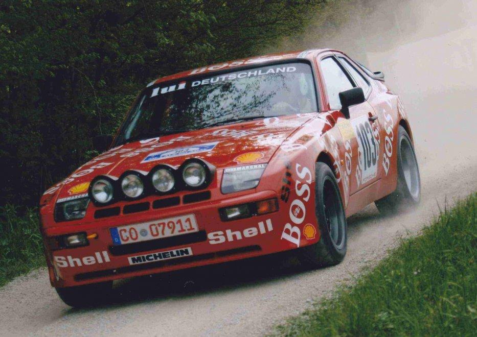 PORSCHE 944 GTS Bild14