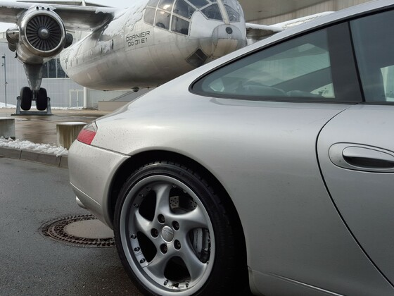dornier do31e1 vs porsche carrera 4....