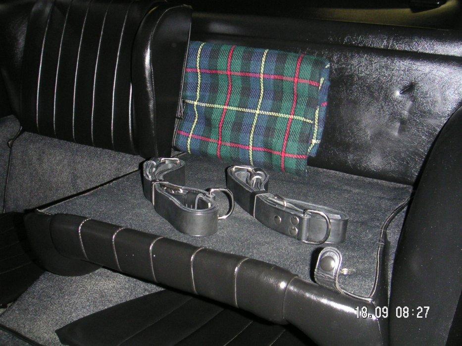 Innen hinten Gepäckbänder