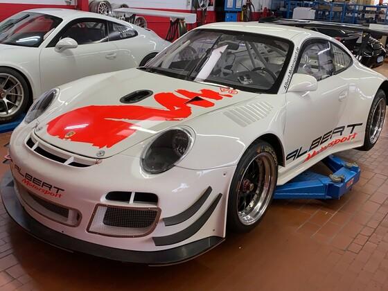 Porsche 997 GT3 R im Aufbau