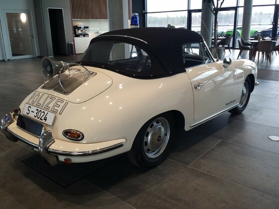 Porsche Experience Center HHR