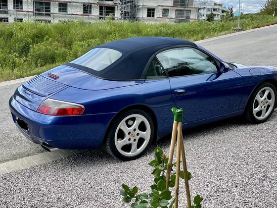 996 C2 Cabrio in Kobaltblau