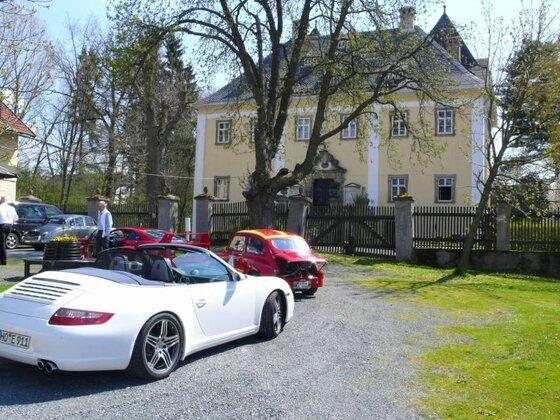 Ferrari F40, Fiat Abarth, Porsche 4s Cabrio bereit