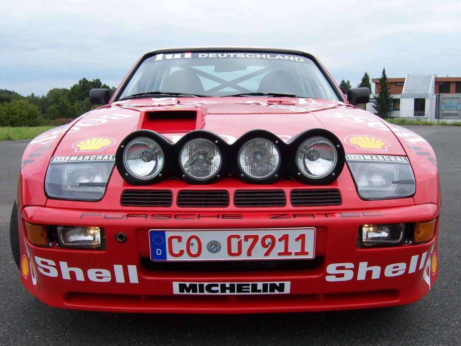 PORSCHE 944 GTS Front