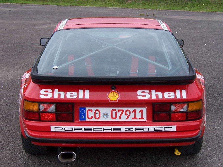 PORSCHE 944 GTS Heck v. Oben