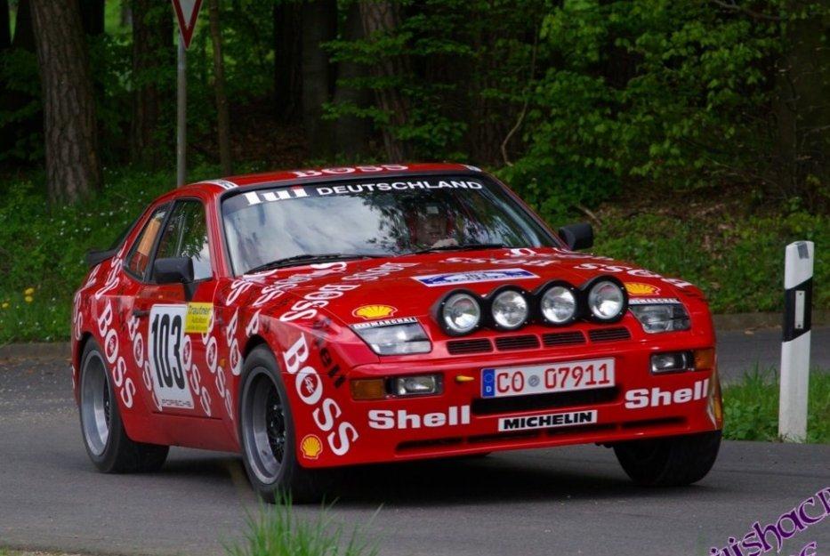 PORSCHE 944 GTS Bild33