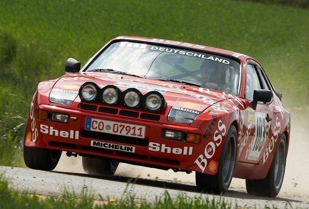 PORSCHE 944 GTS Bild10