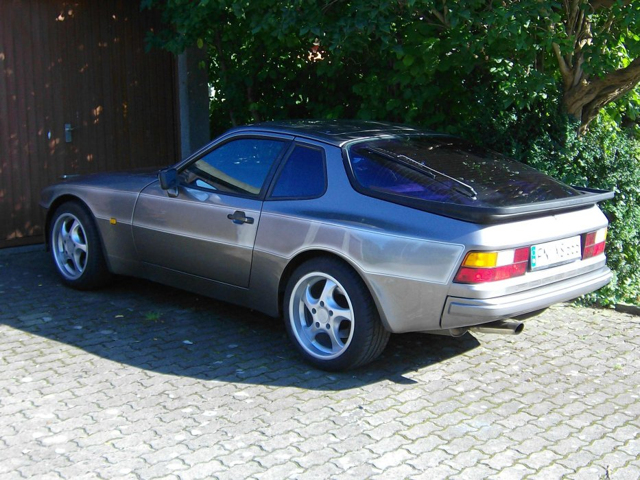 Porsche 944 II