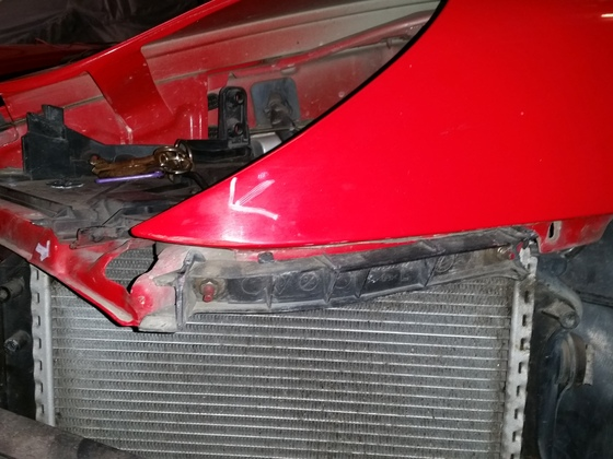 Unfall Grace 2016: Unfallspuren Kotflügel vorne links