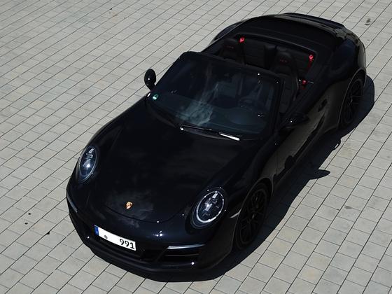 Porsche 911 991.2 c4 GTS Cabriolet Schräg von Vorn