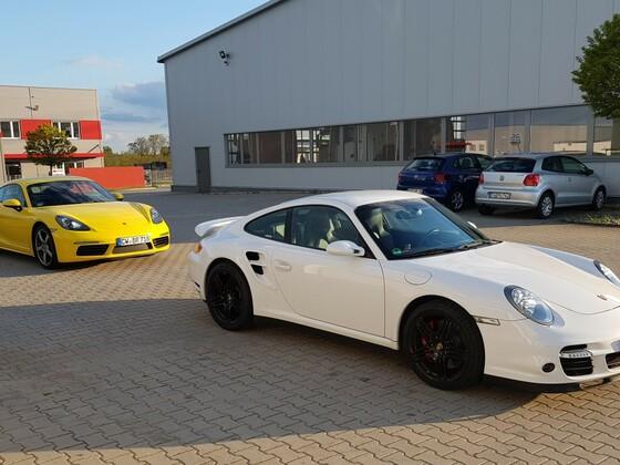 Porsche Turbos treffen sich
