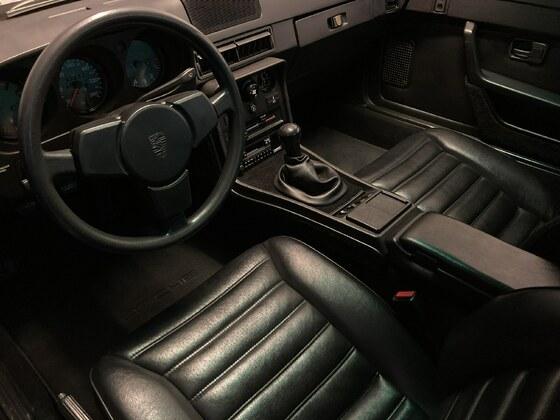 924s 80s Cockpit