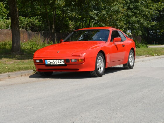Mein roter Porsche 944