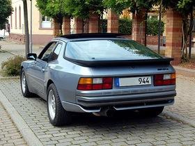 Porsche 944 2,5 Liter Saphirblau