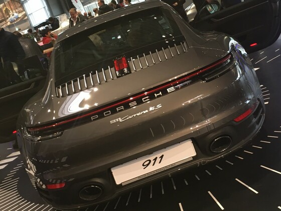992 Vorstellung im Porsche Zentrum Hamburg Nord-West