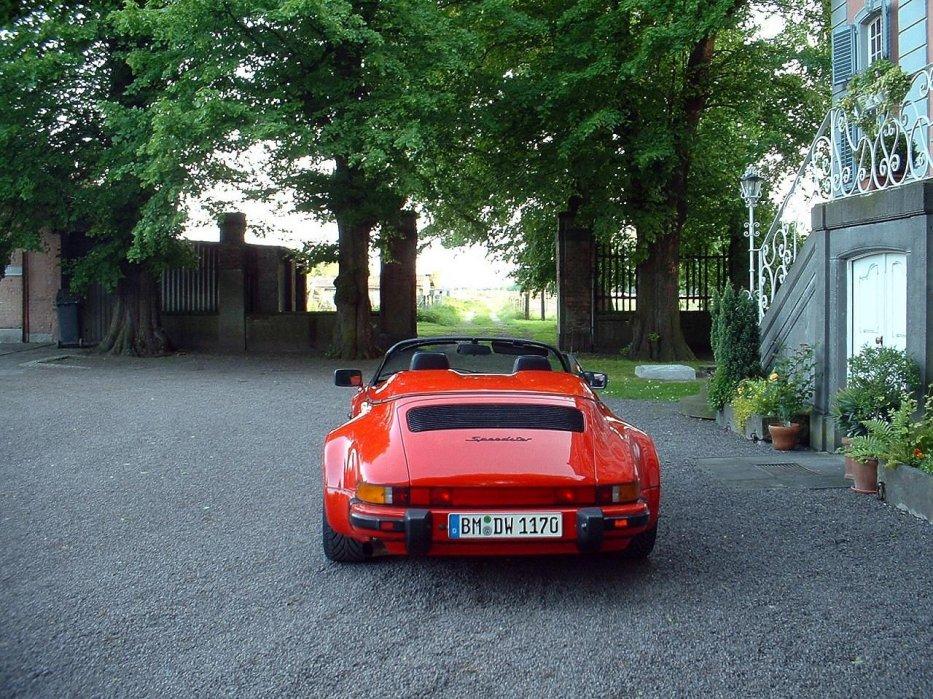 Speedy vor Schloss ARFF