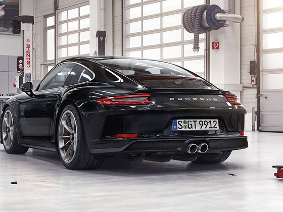 Porsche 911 GT3 Touring Header 02