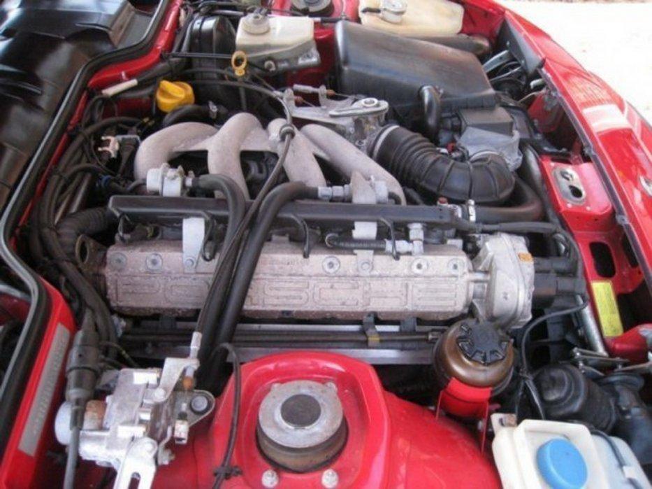 89er Motorraum 944 US-Modell