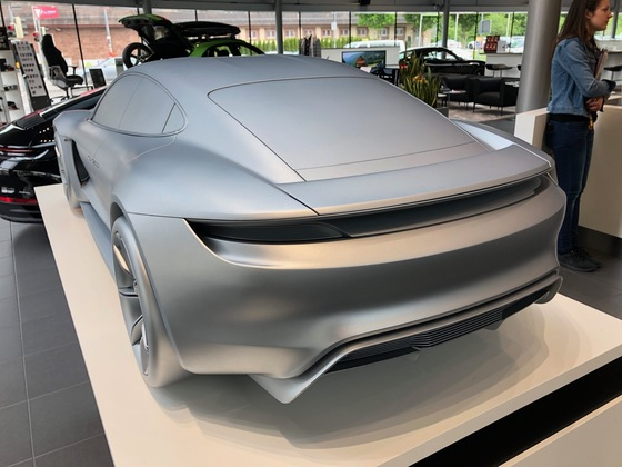 Porsche Taycan Modell