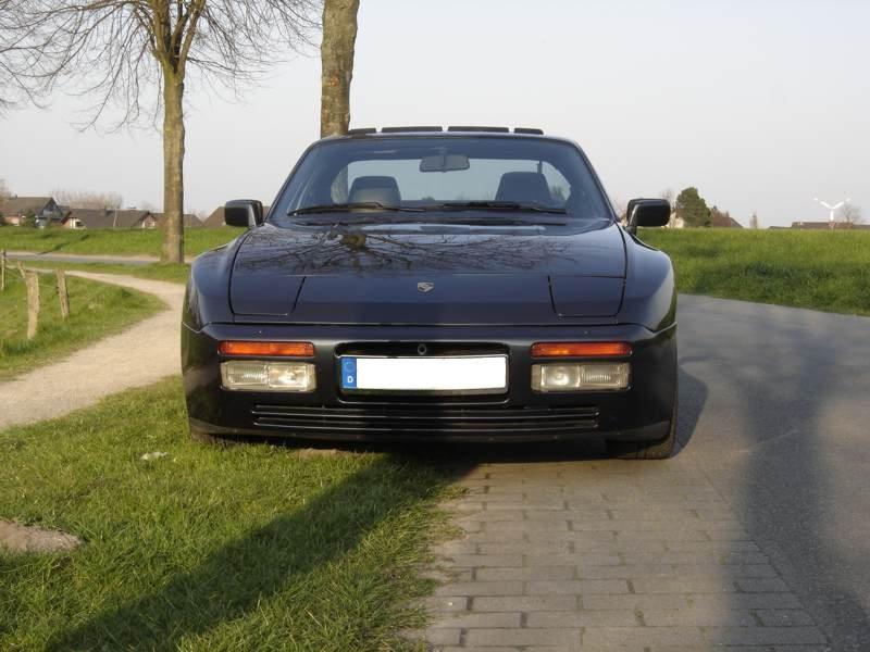 944 Turbo 2