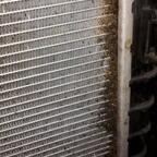 Wasserkühler in 2. Reihe beidseitig reinigen