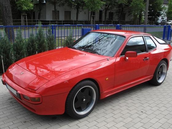 944 I