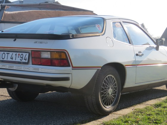 Porsche_924_Le_Mans_05