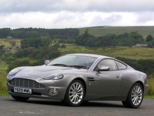 Aston Martin Vanquish Der Erste Der Zweitwagen Porsche Forum Magazin Pff De