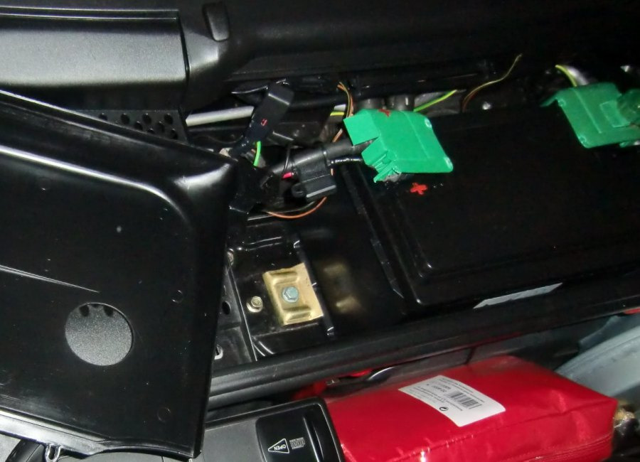 auto batterie abklemmen